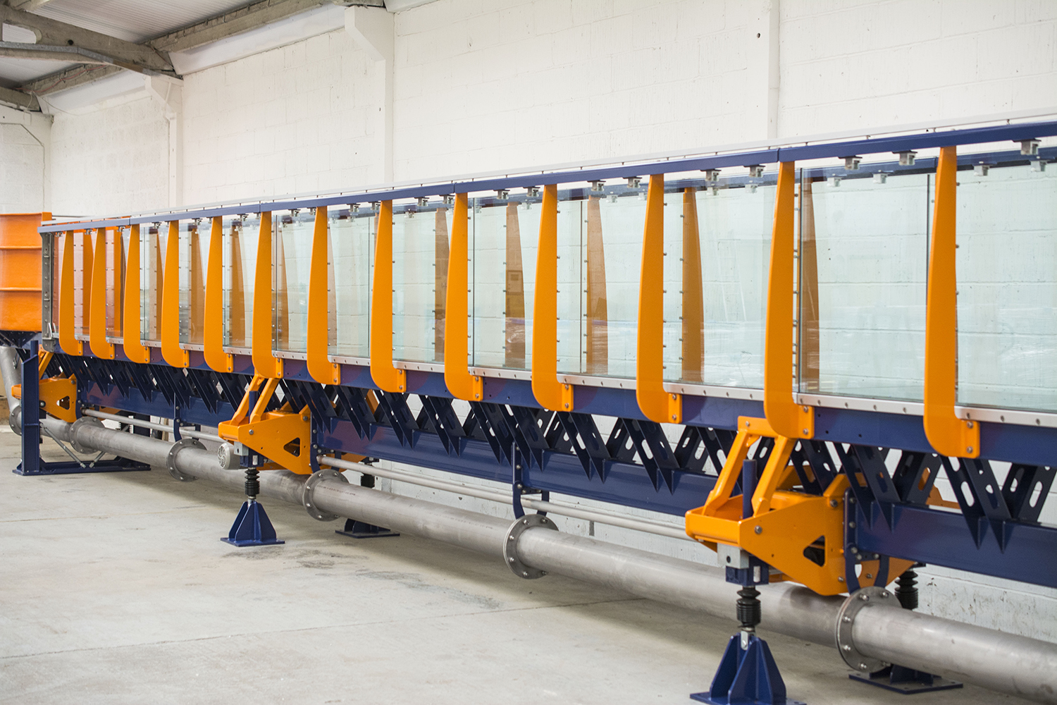 Drive Lines provides synchronised jacking system for precision tilting on research flumes