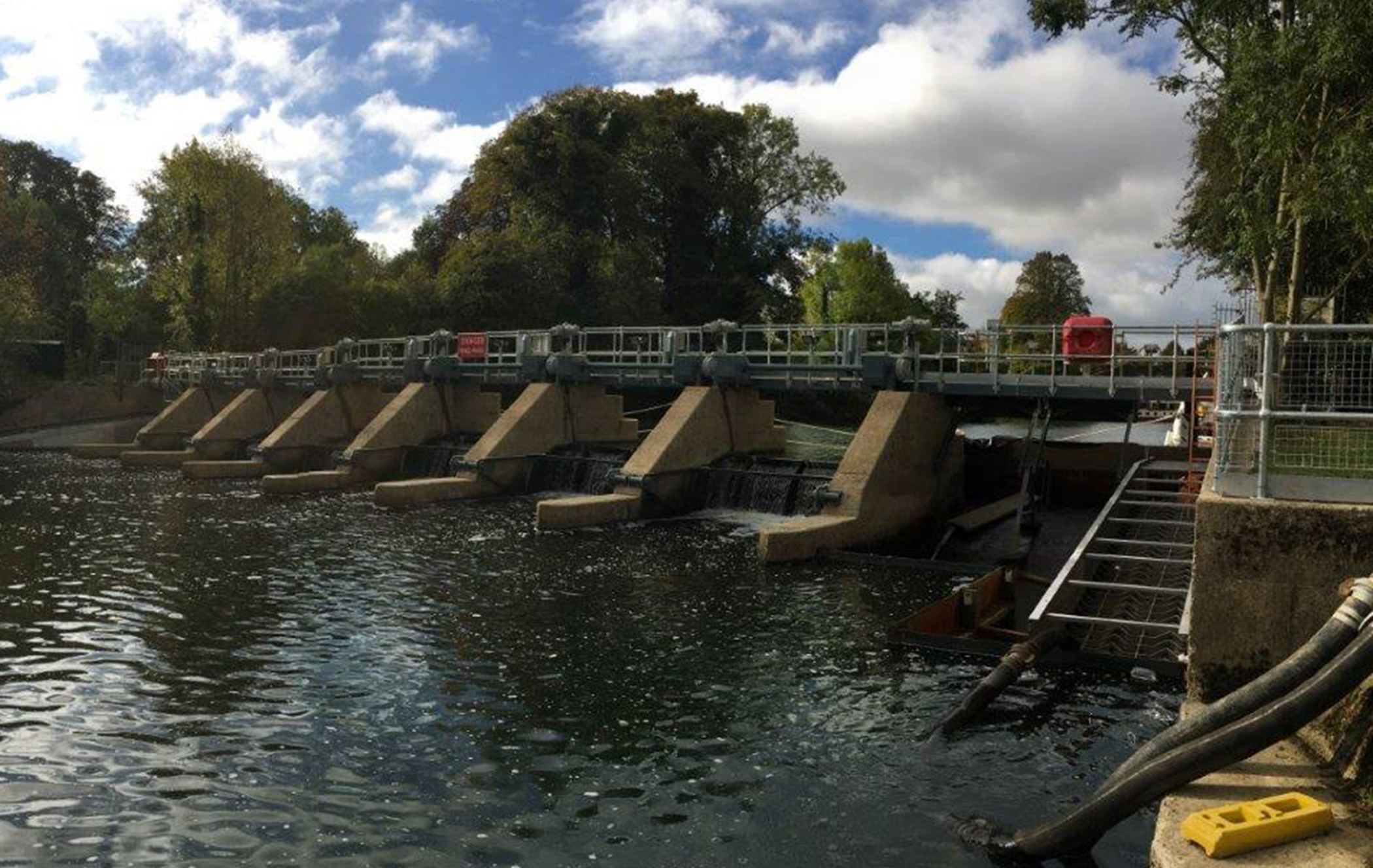 Modular weir gate design slashes time to complete refurbishment project at Cookham Weir