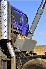 Four year warranty on MAN tipper trucks includes EDBRO hydraulics as well as Thompsons body