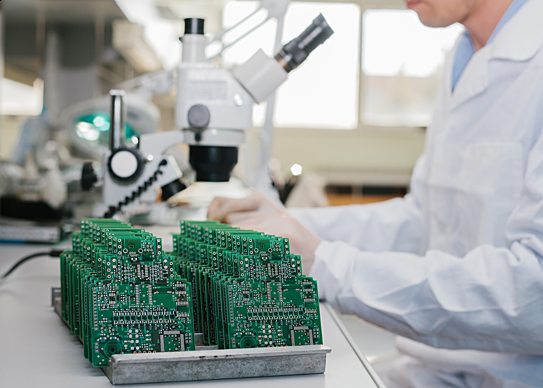 Boost Semiconductor Manufacturing with Specialist Supply Chain Knowledge
