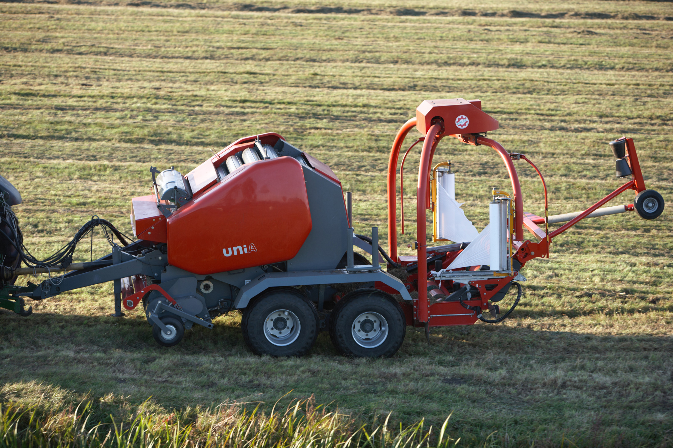 Tsubaki Europe and Unia Group announce new chain supply agreement for agricultural balers