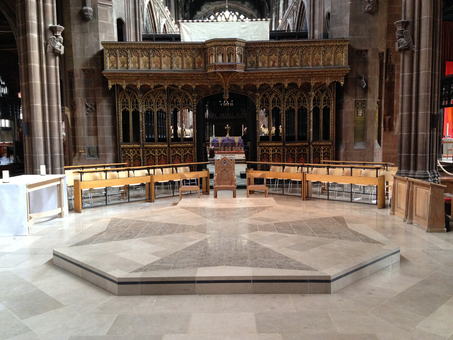 Drive Lines lifts Manchester Cathedral's dais to new heights