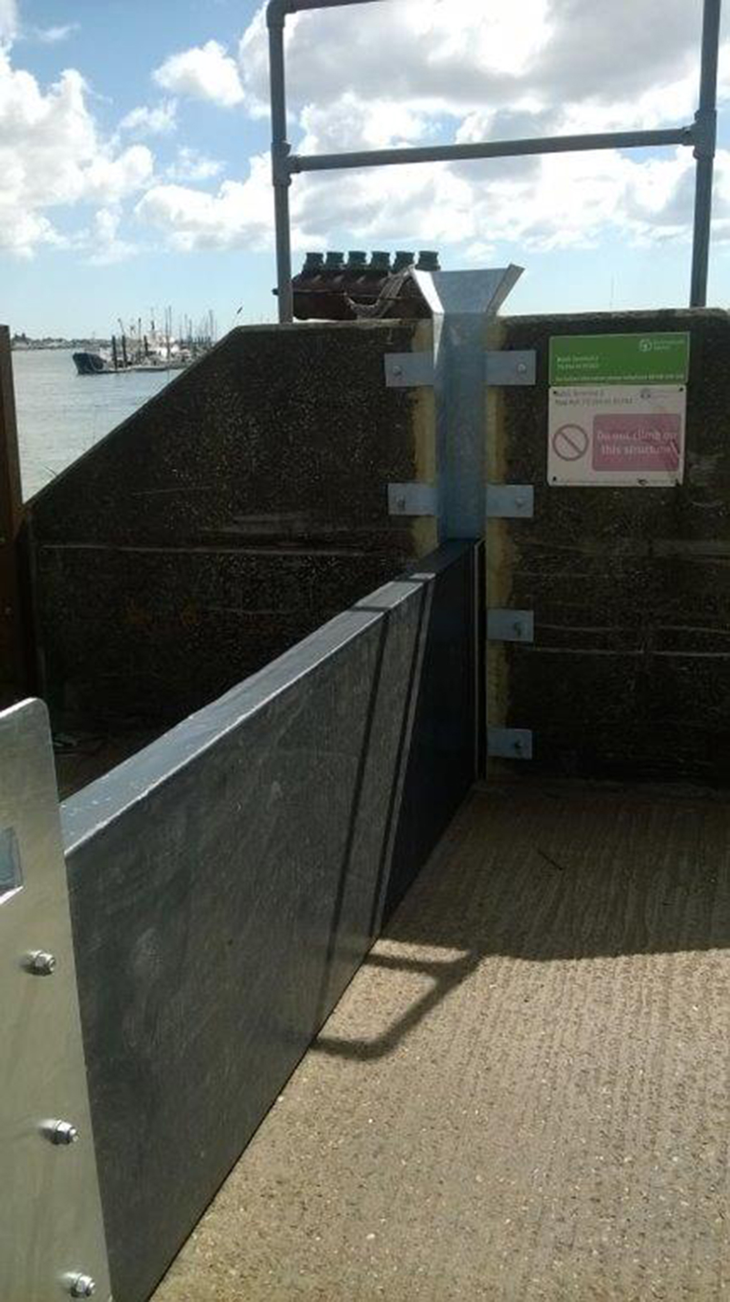 Drop gate renewal secures Baltic Wharf, Burnham from tides and flood