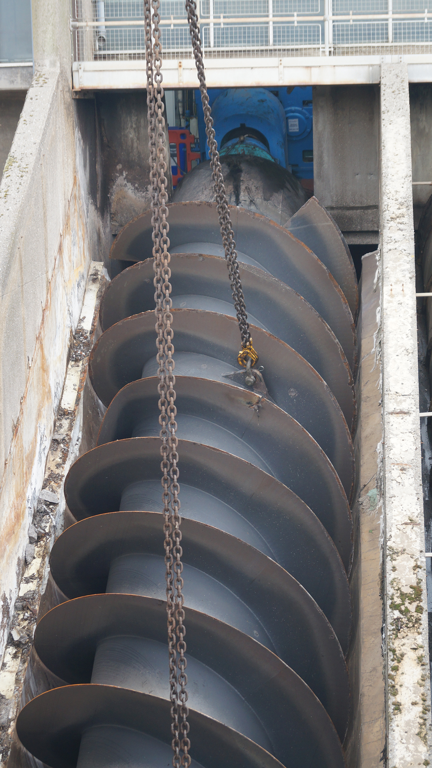 Giant screw pump to be replaced at major sewage treatment works