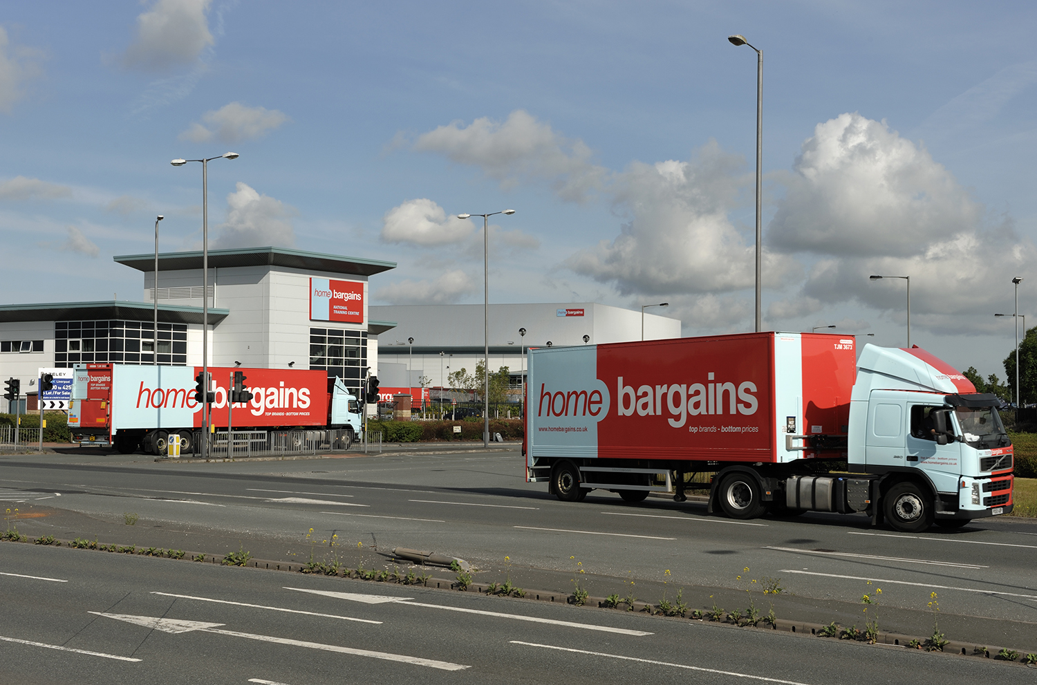 Home Bargains expands fleet while reducing cost of ownership with JOST