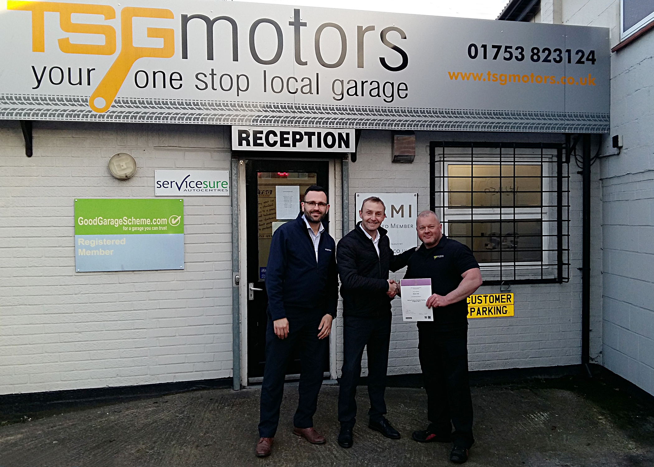 Independent garage technicians receive IMI certificates for emissions training
