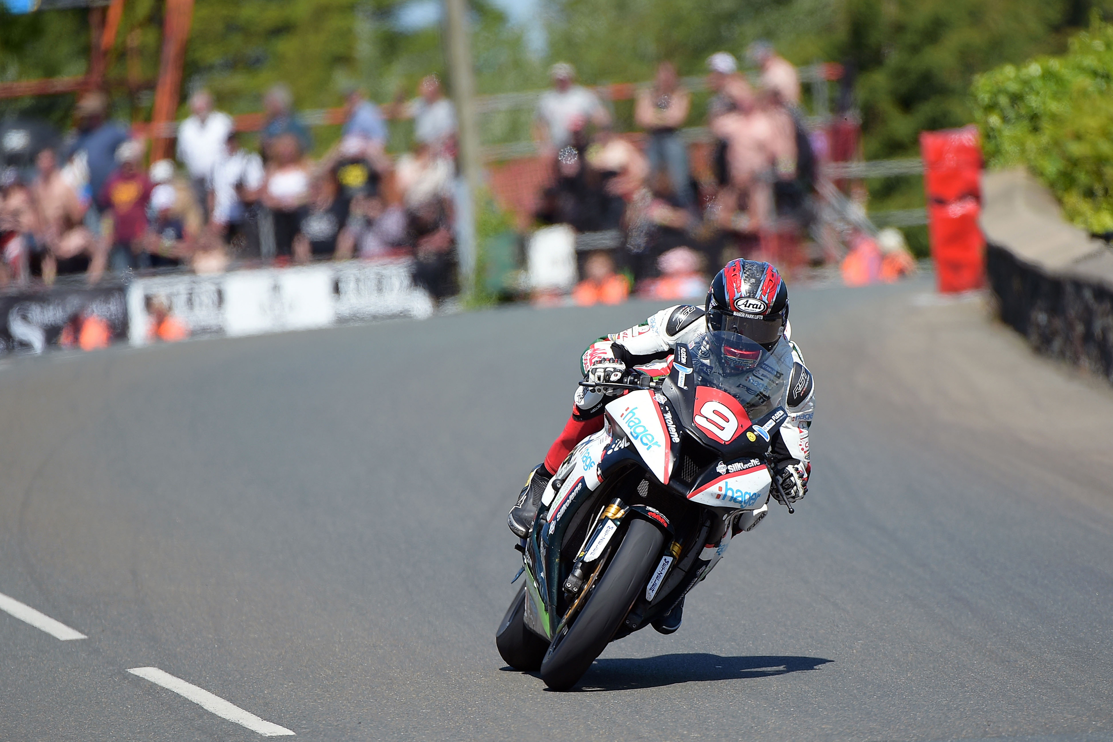 Tsubaki quality takes the lead for Isle of Man TT riders