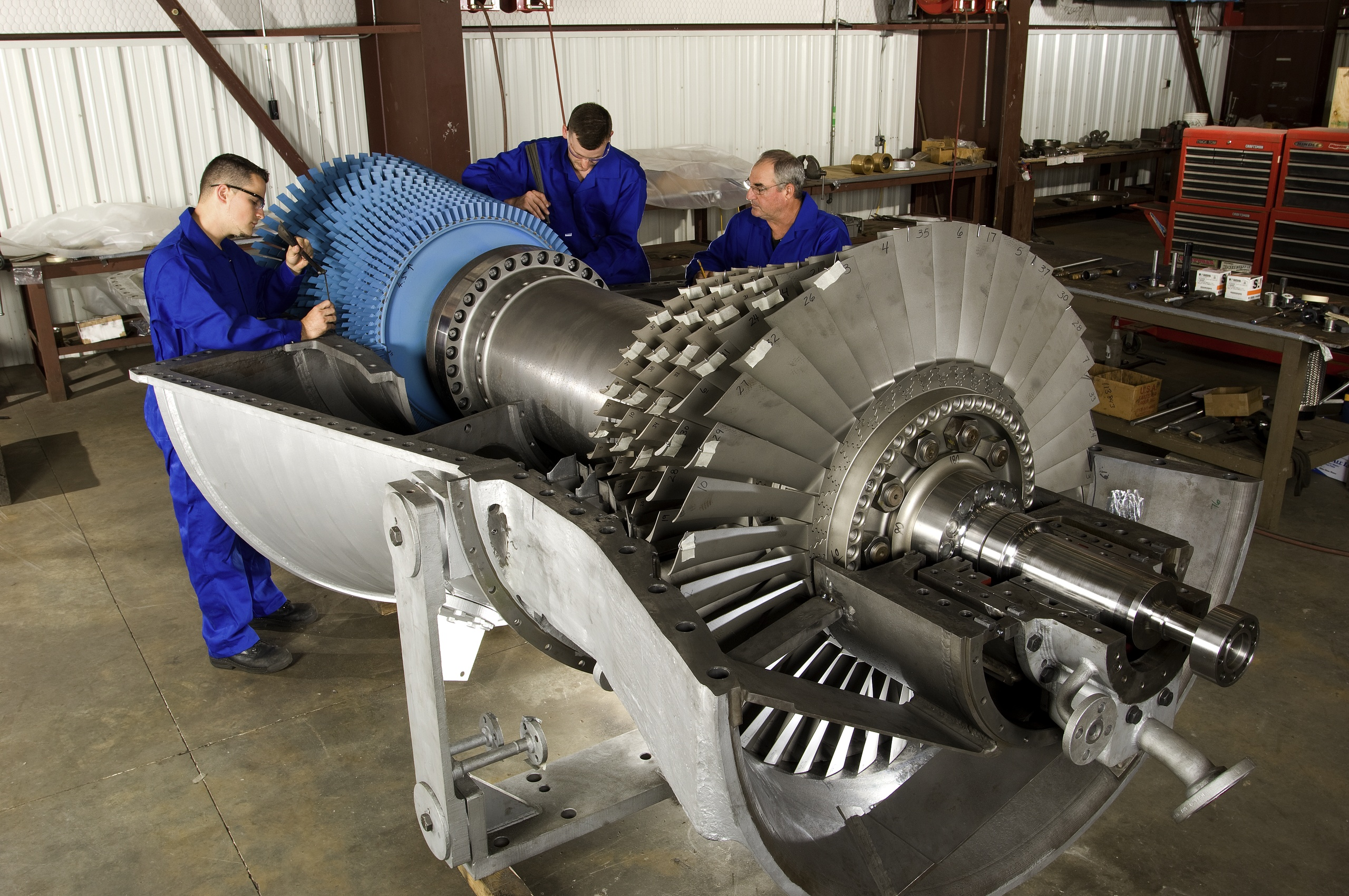 Enhance gas turbine ponents to improve performance
